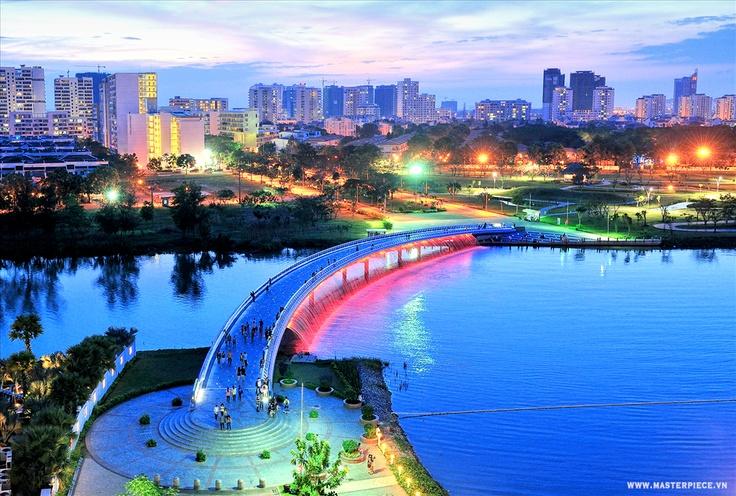 Cầu ánh sao thuộc khu dân cư phú mỹ hưng quận 7 tphcm