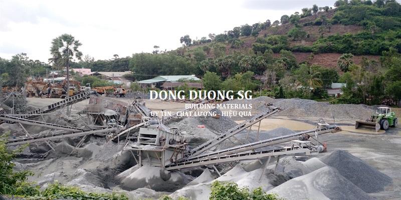 Quy trình xây nghiền và sàng lọc các loại đá xây dựng khác nhau tại bãi khai thác