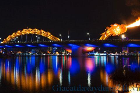 Cầu rồng phun nước, phun lửa tại đà nẵng là một điểm nhấn của thành phố